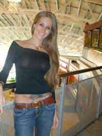 a horny lady from Tewksbury, Massachusetts