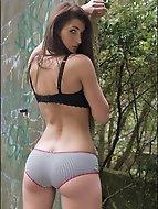 horny Villa Park female